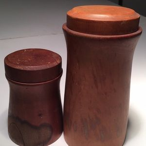 2 Wooden containers